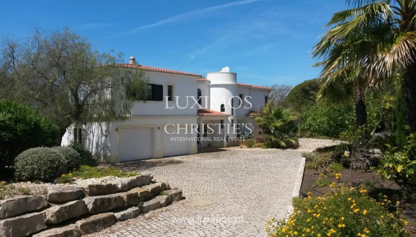 Sale of villa with swimming pool in Carvoeiro, Algarve, Portugal_87486