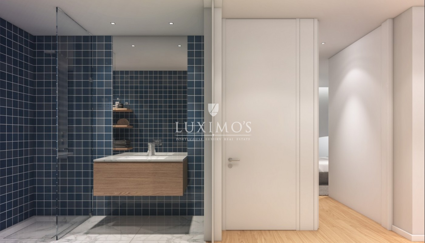 New duplex apartment, of modern lines, in Porto downtown_87750