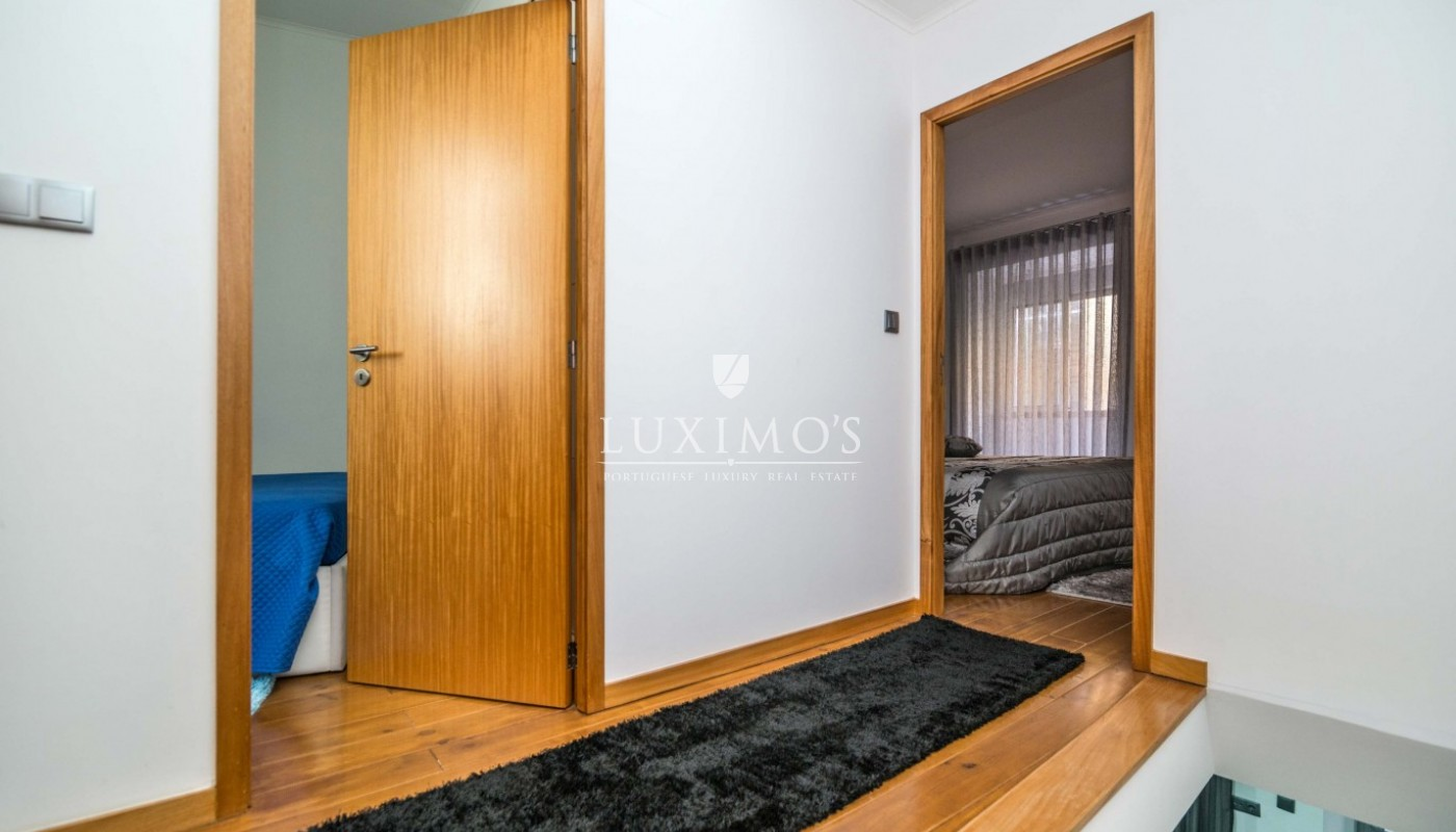 Sale of house with modern lines, Porto, Portugal_87844
