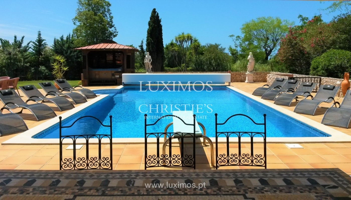 Sale of villa with swimming pool in Carvoeiro, Algarve, Portugal_88147