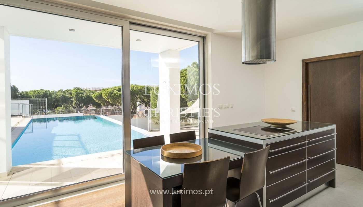 Venta de villa moderna con vista mar en Albufeira, Algarve, Portugal_89259
