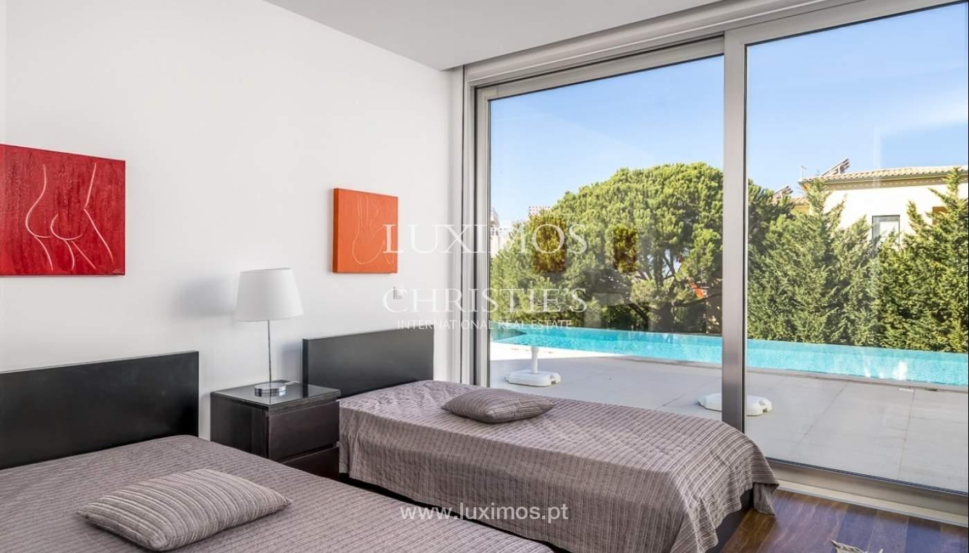 Venta de villa moderna con vista mar en Albufeira, Algarve, Portugal_89261