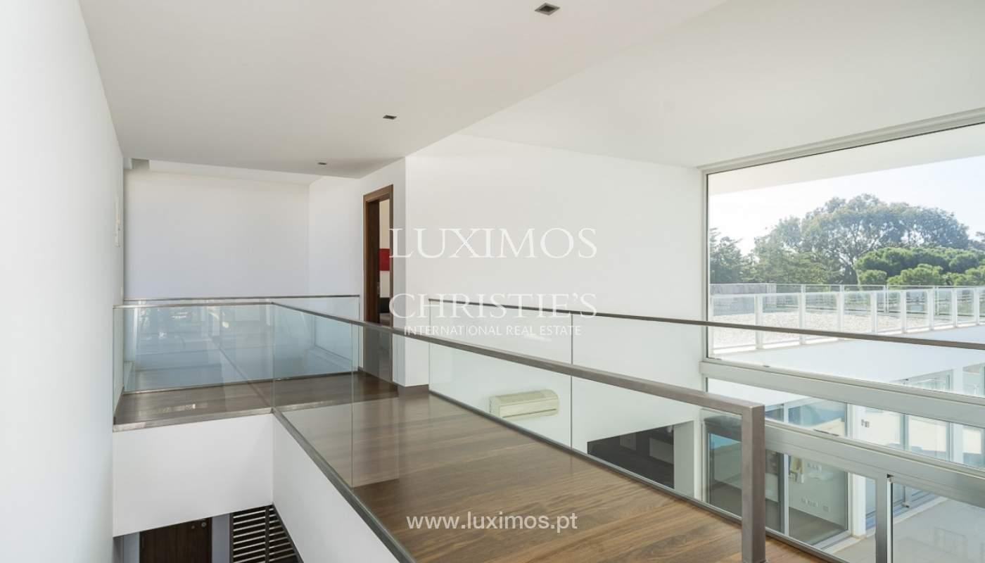 Venta de villa moderna con vista mar en Albufeira, Algarve, Portugal_89263