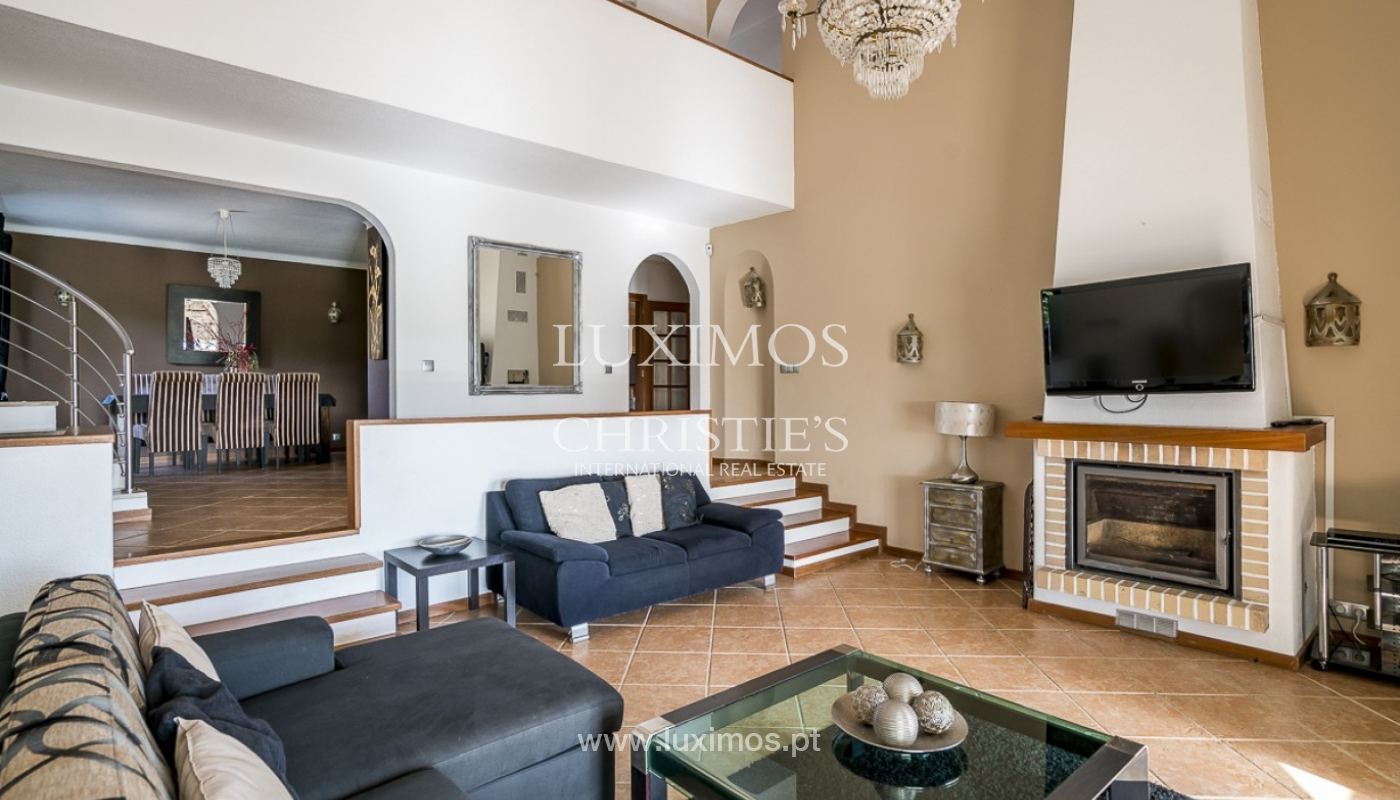 Sale of villa with pool and garden in Carvoeiro, Algarve, Portugal_89309