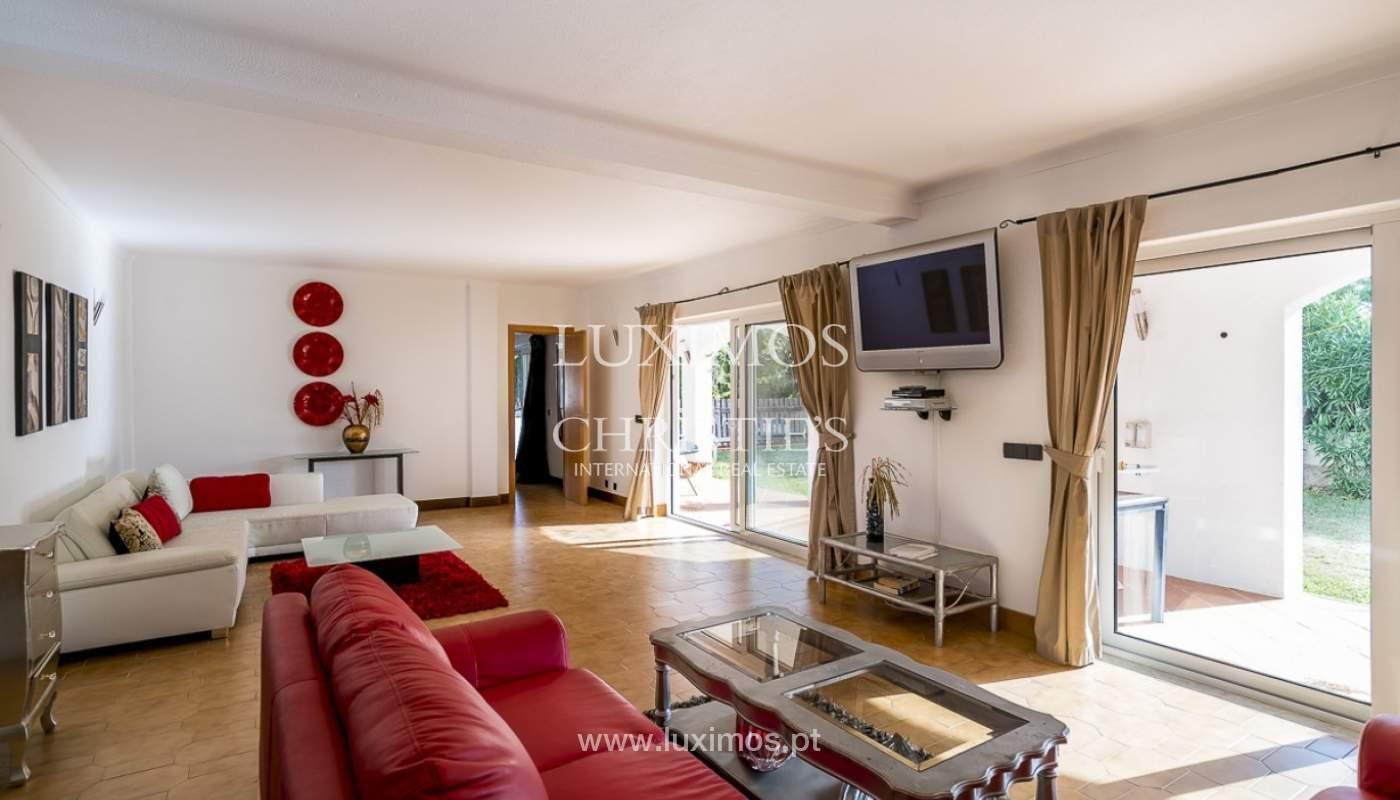 Sale of villa with pool and garden in Carvoeiro, Algarve, Portugal_89311