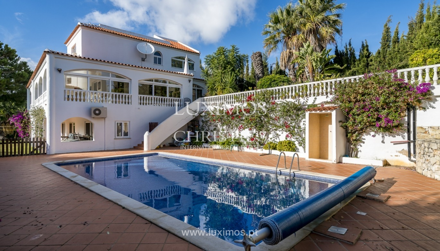 Sale of villa with pool and garden in Carvoeiro, Algarve, Portugal_89331