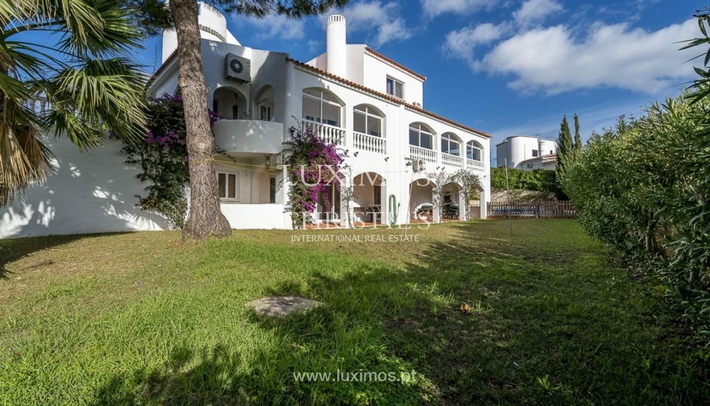 Venda de moradia com piscina e jardim no Carvoeiro, Algarve, Portugal_89332