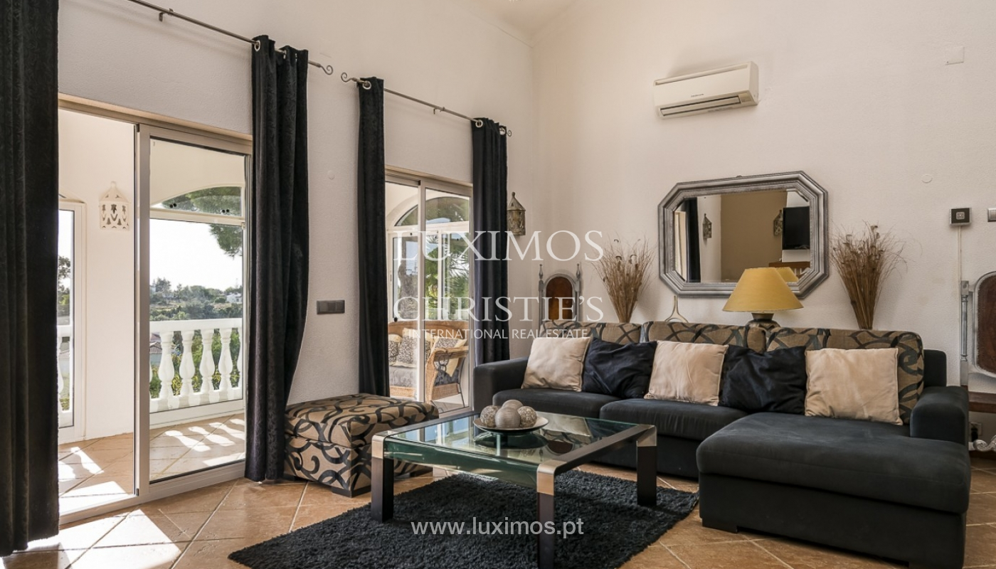Sale of villa with pool and garden in Carvoeiro, Algarve, Portugal_89336