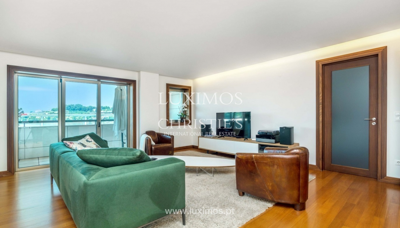 Contemporary apartment for rent with views of river, Porto, Portugal _89399