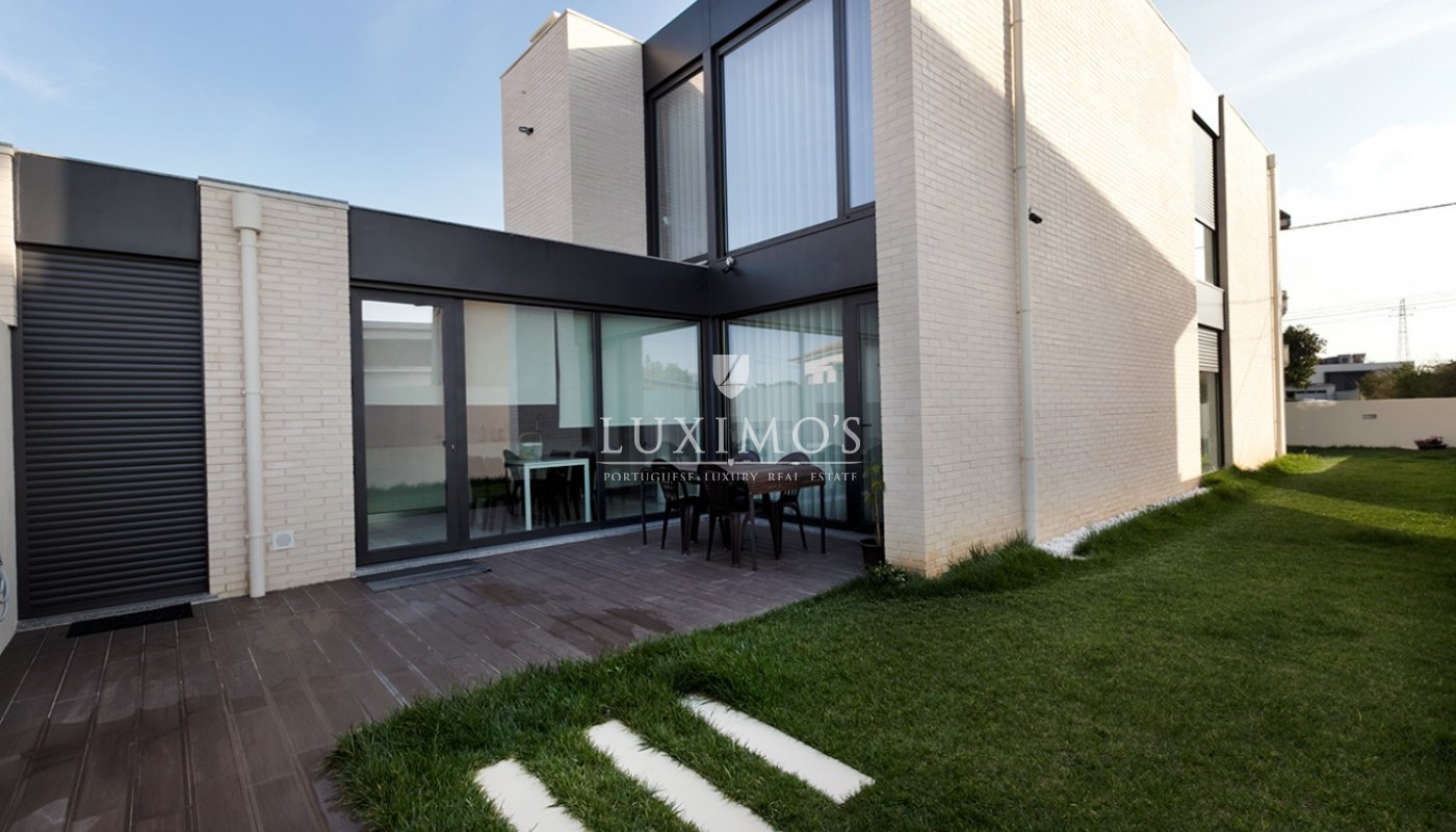 Modern house for sale by the sea, V. N. Gaia, Porto, Portugal_89455