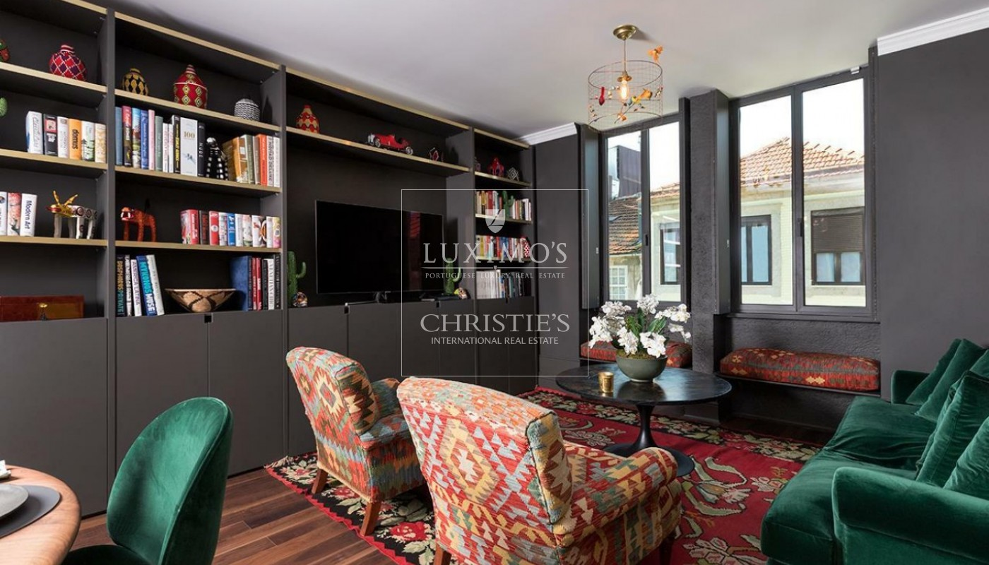 Sale of Stylish house in heart of Porto with stunning views, Portugal_90973