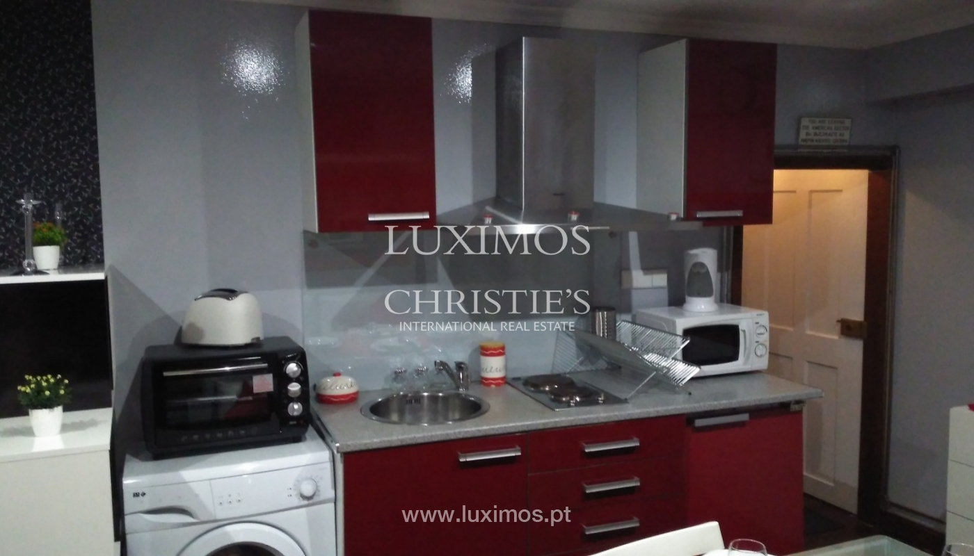 Building of 3 floors, for sale, Downtown Porto, Portugal_91221