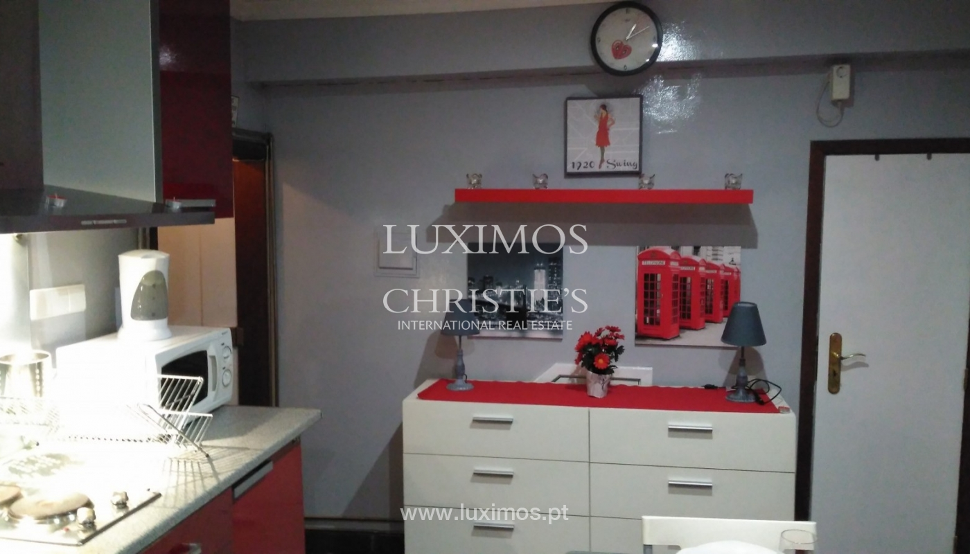 Building of 3 floors, for sale, Downtown Porto, Portugal_91223