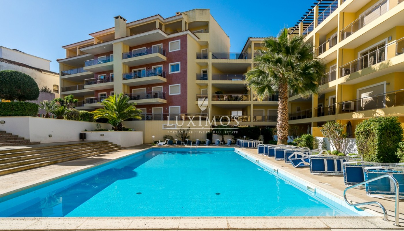 Sale of modern apartment with pool in Lagos, Algarve, Portugal_91801