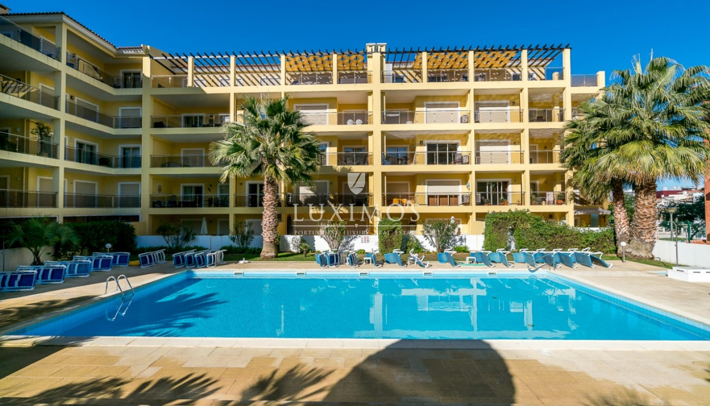 Sale of modern apartment with pool in Lagos, Algarve, Portugal_91805