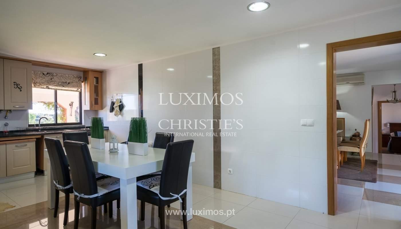 Venda de moradia com piscina em Portimão, Algarve_91816