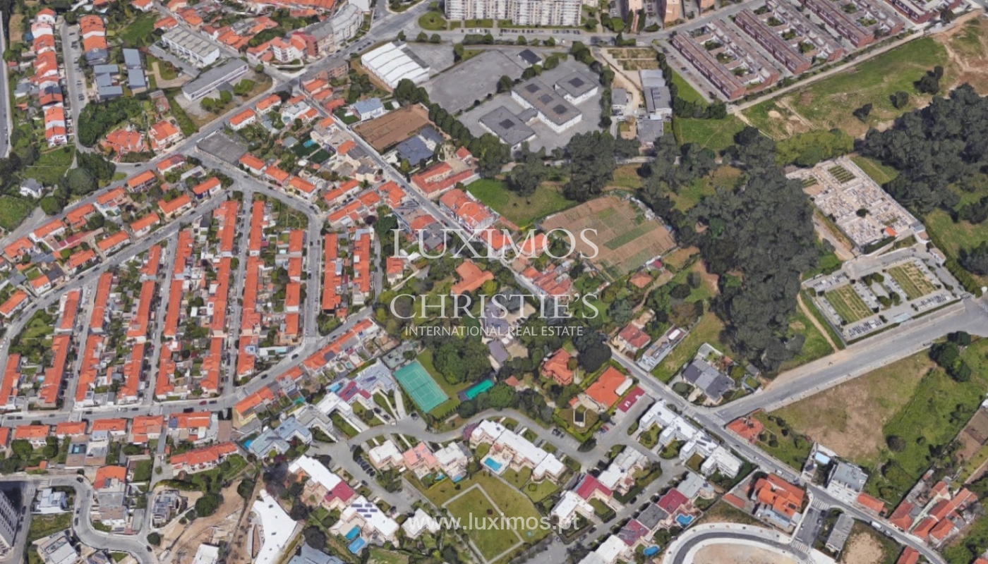 Sale of house with garden near the beach, Porto, Portugal_91950
