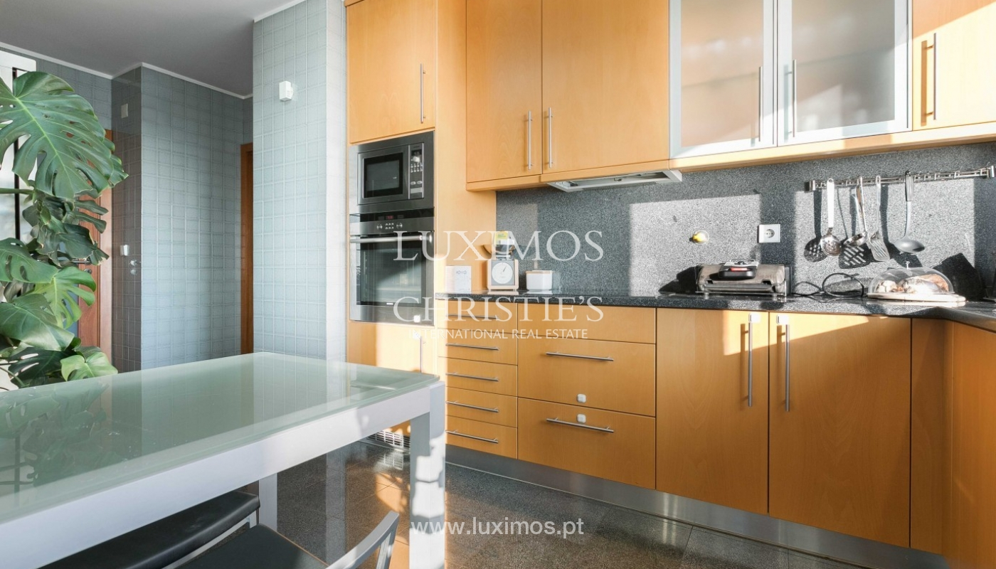 Sale of apartment with ocean views, Matosinhos Sul, Porto, Portugal_92036