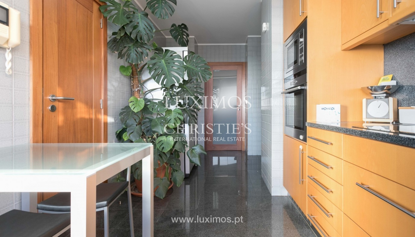 Sale of apartment with ocean views, Matosinhos Sul, Porto, Portugal_92038