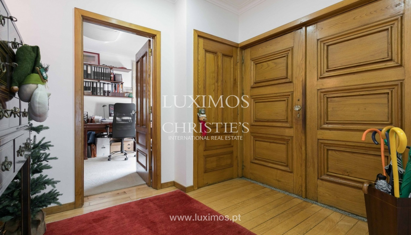 Sale of Modern house of 4 fronts with garden, Porto, Portugal_92080