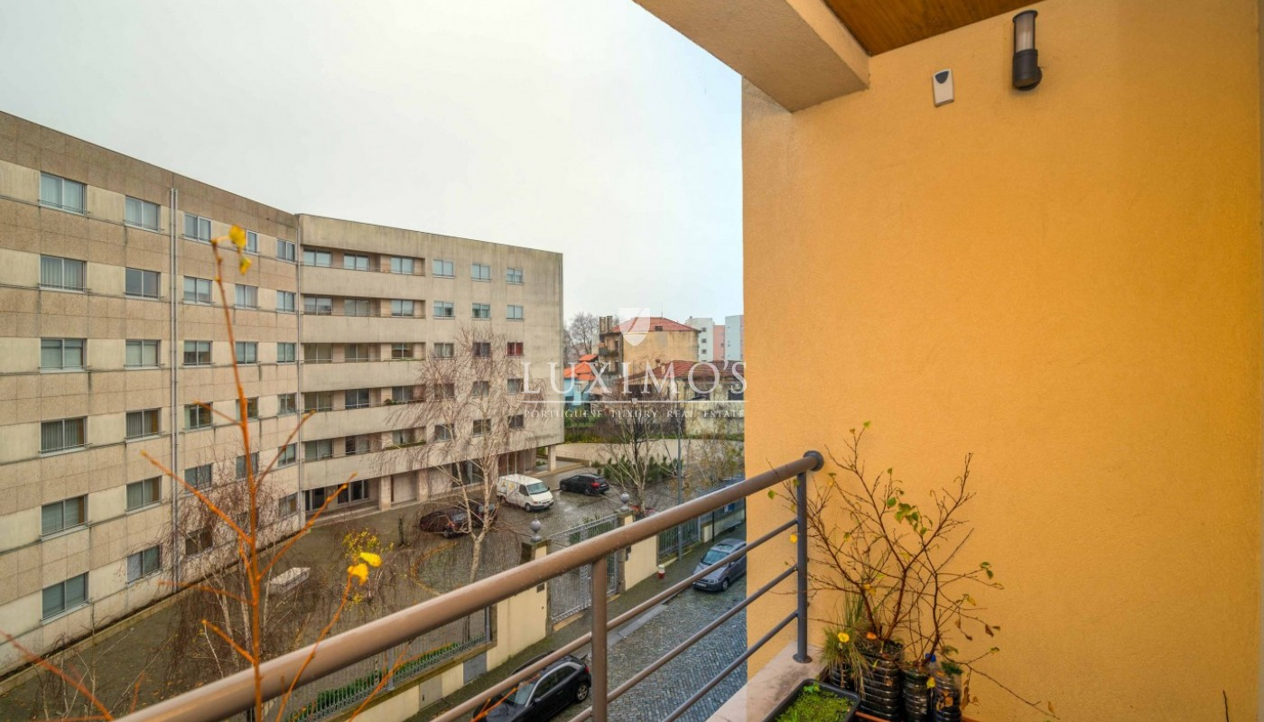 Sale of apartment with balcony near the river in Porto, Portugal _92749