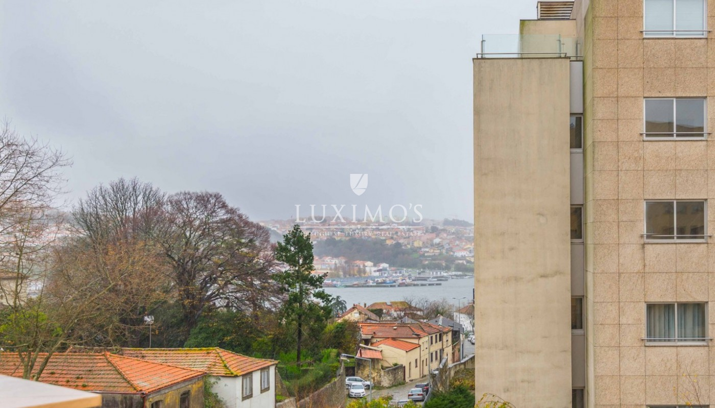 Sale of apartment with balcony near the river in Porto, Portugal _92750