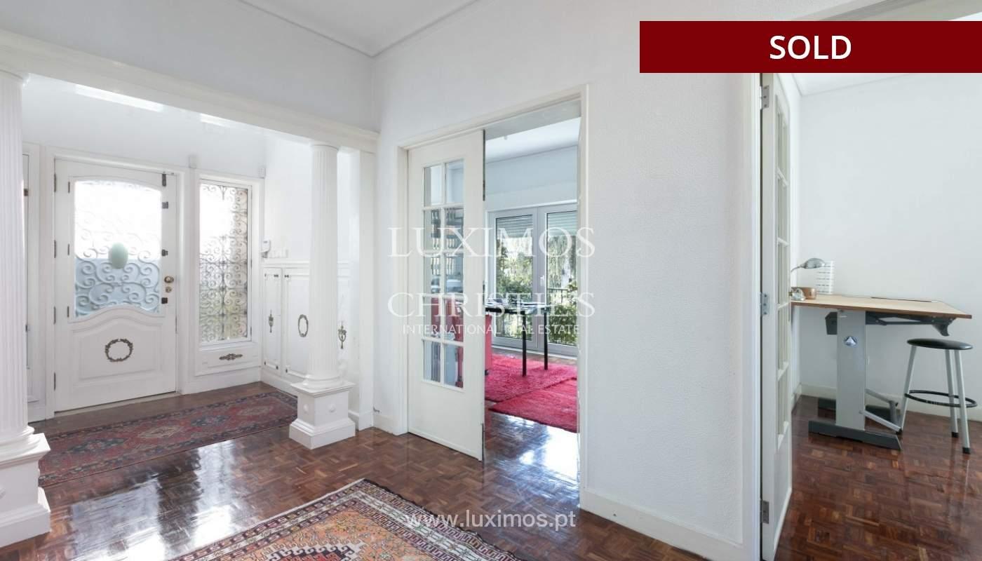 Sale of Villa with garden and lake, Porto, Portugal _93046