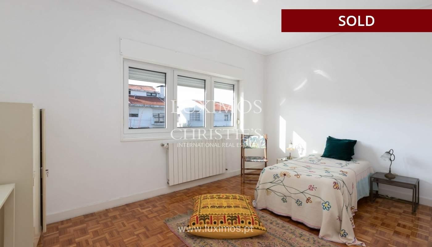 Sale of Villa with garden and lake, Porto, Portugal _93054