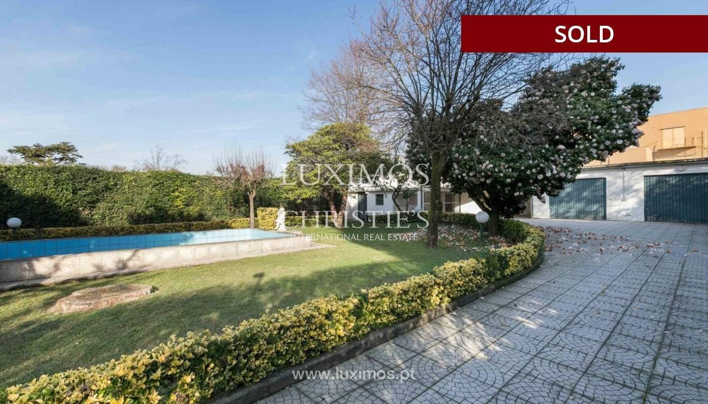 Sale of Villa with garden and lake, Porto, Portugal _93066