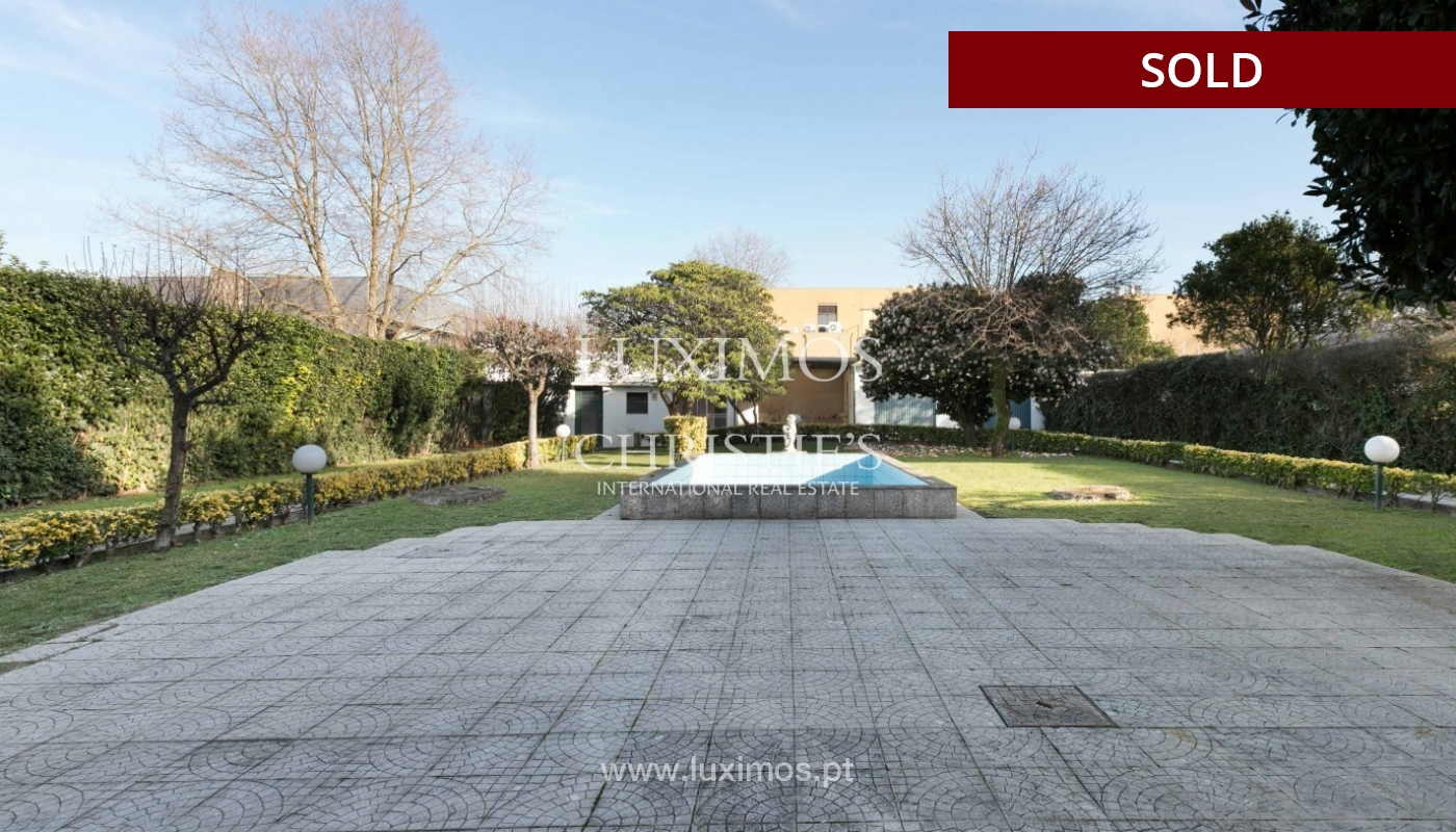 Sale of Villa with garden and lake, Porto, Portugal _93069