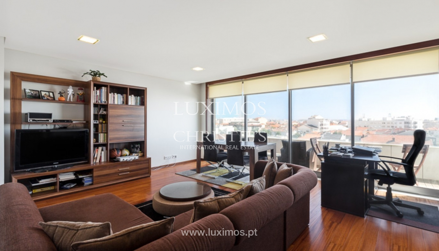 Sale of modern apartment with ocean views in Porto, Portugal_93672