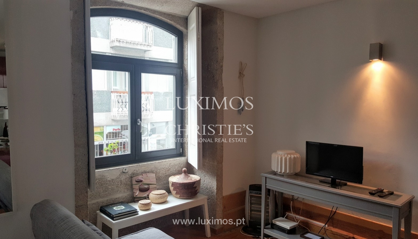 Sale of apartment in central location, Porto downtown, Portugal_94218