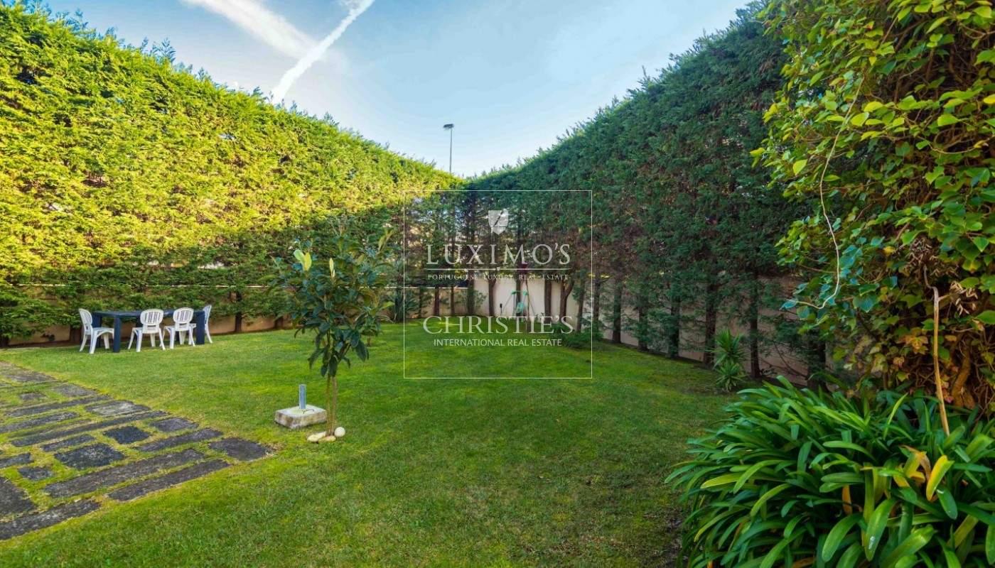 Venda de moradia de luxo, condomínio fechado, piscina e jardim, Ofir_94243