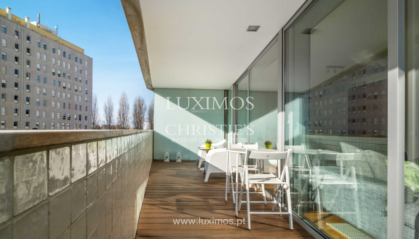 Sale of modern apartment, as new, Lordelo do Ouro, Porto, Portugal_94341