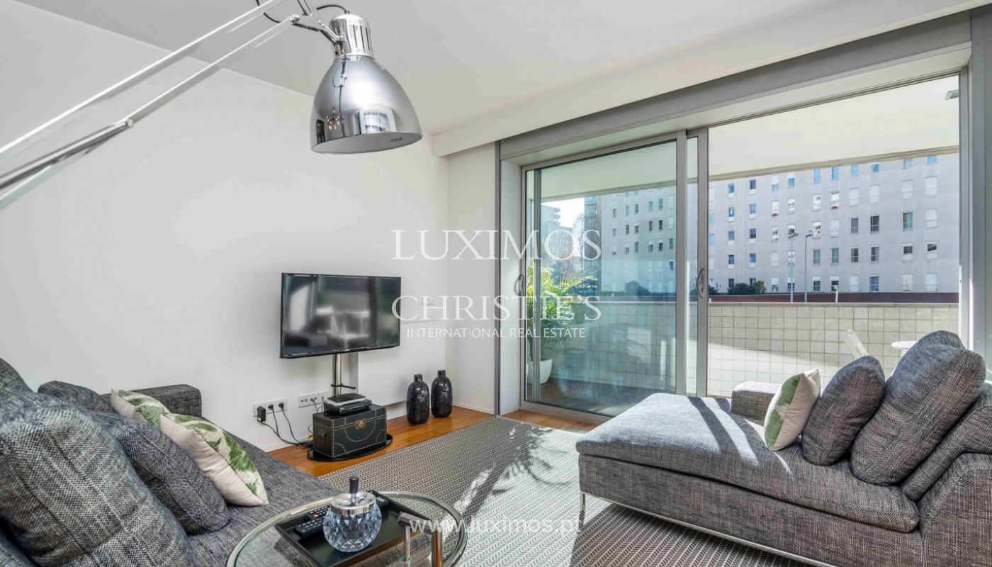 Sale of modern apartment, as new, Lordelo do Ouro, Porto, Portugal_94346