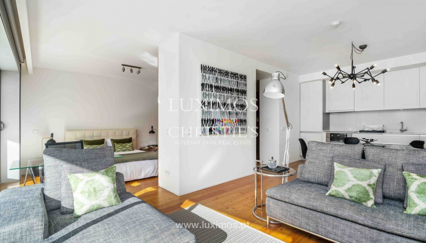 Sale of modern apartment, as new, Lordelo do Ouro, Porto, Portugal_94349