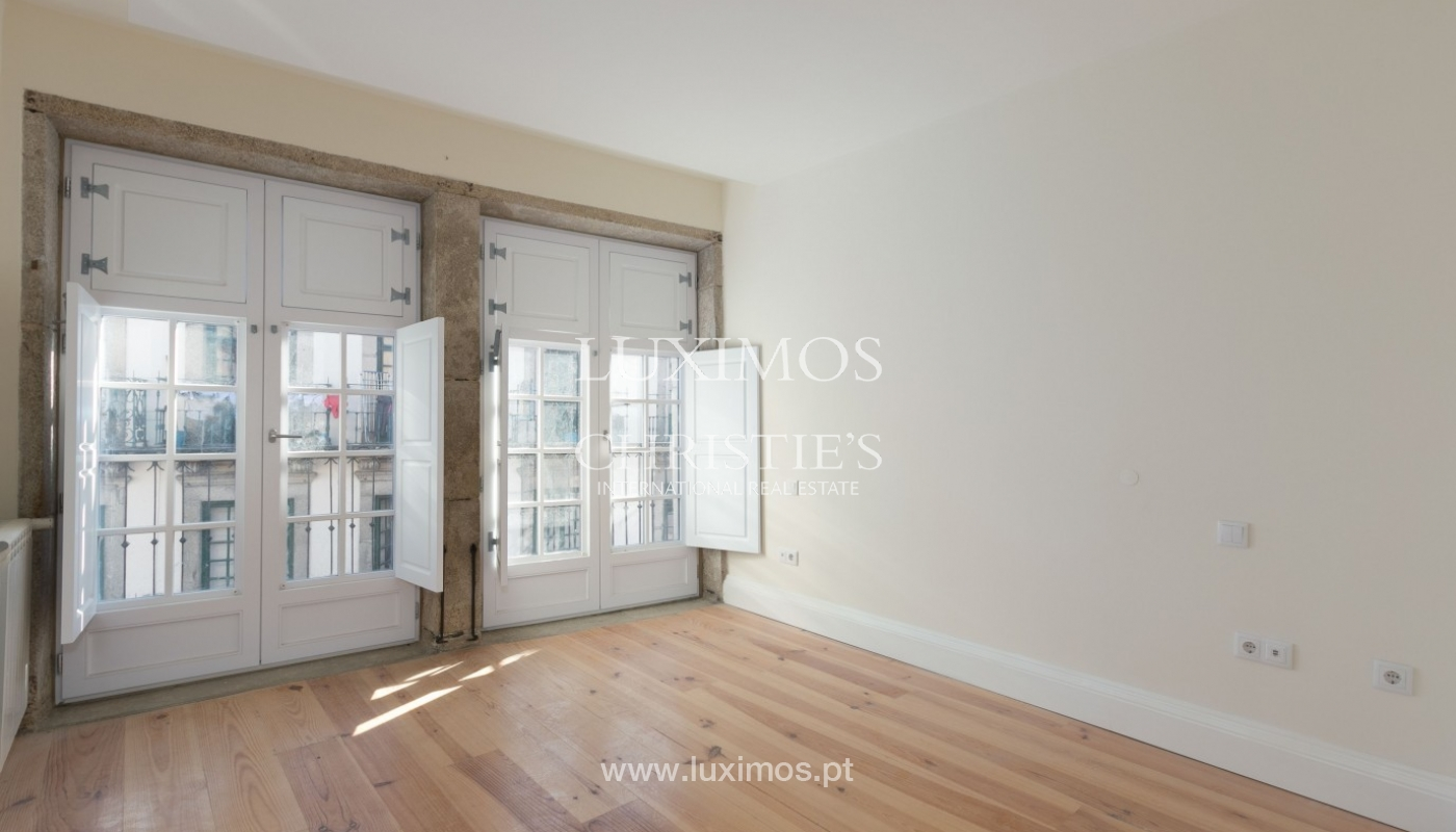 Sale of new Hostel in Porto downtown, Portugal_94611