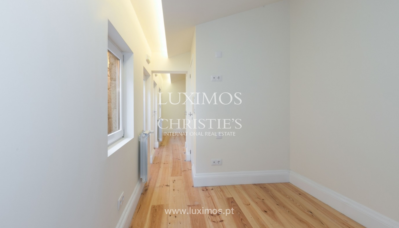 Sale of new Hostel in Porto downtown, Portugal_94634