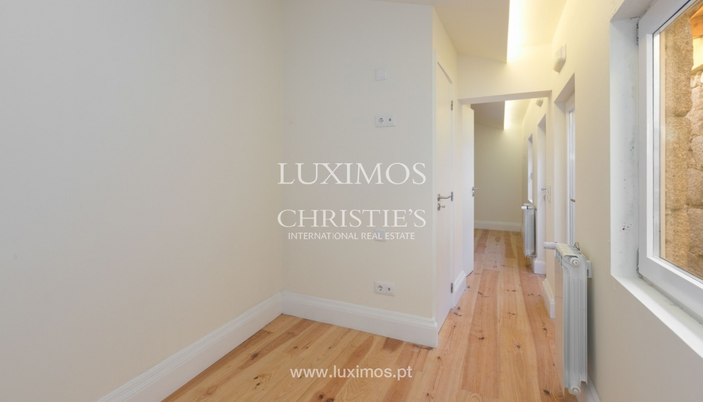 Sale of new Hostel in Porto downtown, Portugal_94635