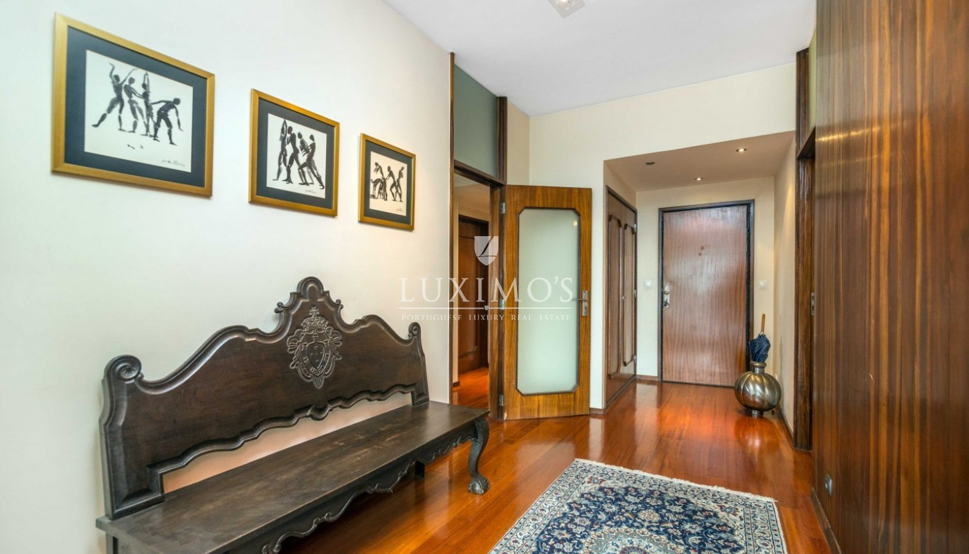 Sale of modern apartment, with ocean views, Porto, Portugal_94911