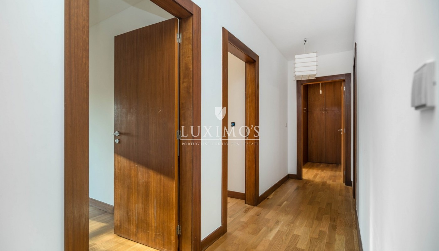 Sale of apartment as new, with balcony, Lordelo Ouro, Porto, Portugal_95581