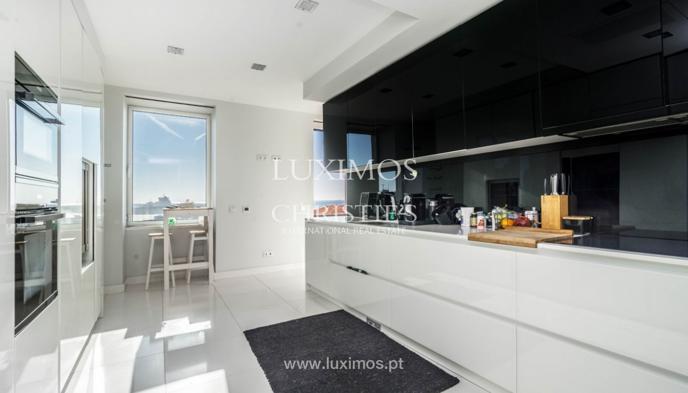 Sale of luxury duplex apartment, ocean views, Leça Palmeira, Portugal_95596