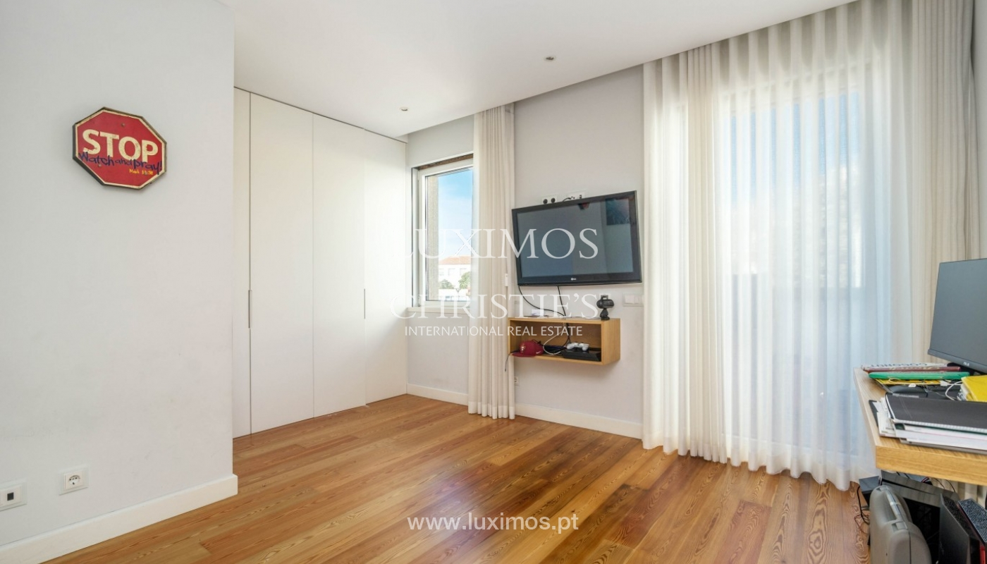Sale of luxury duplex apartment, ocean views, Leça Palmeira, Portugal_95600