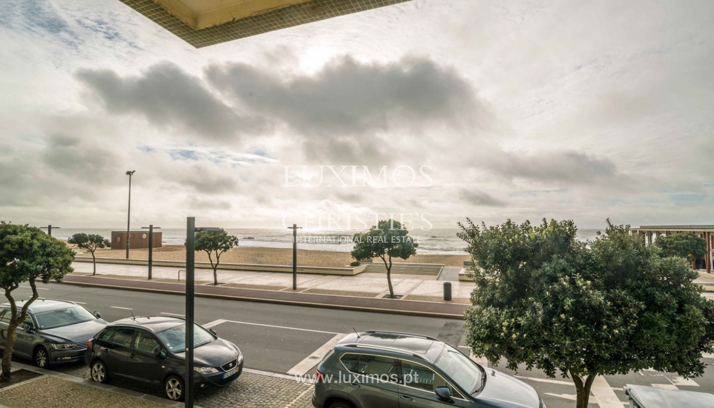 Sale of apartment with sea front, by the beach, Póvoa Varzim, Portugal_95674