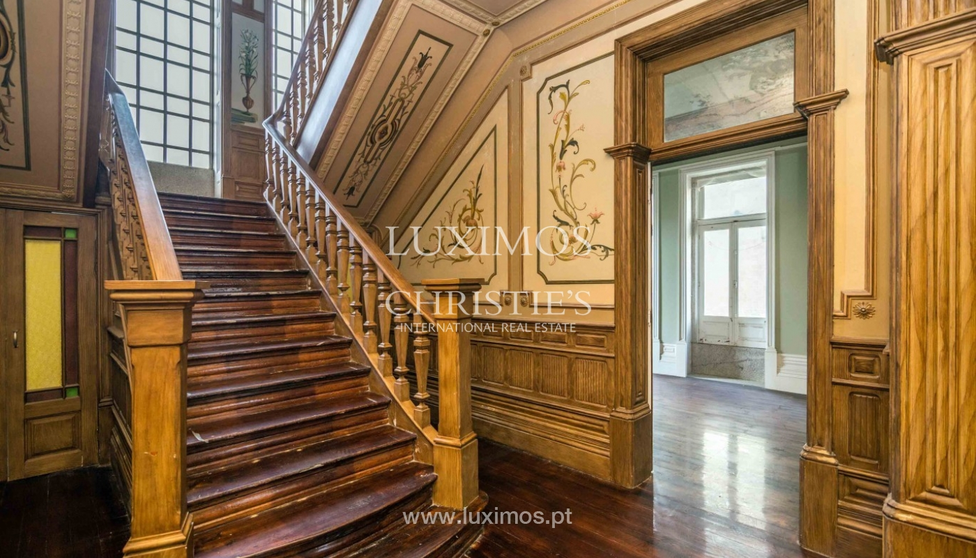 Sale of noble house with refinement details, Póvoa de Varzim, Portugal_95693