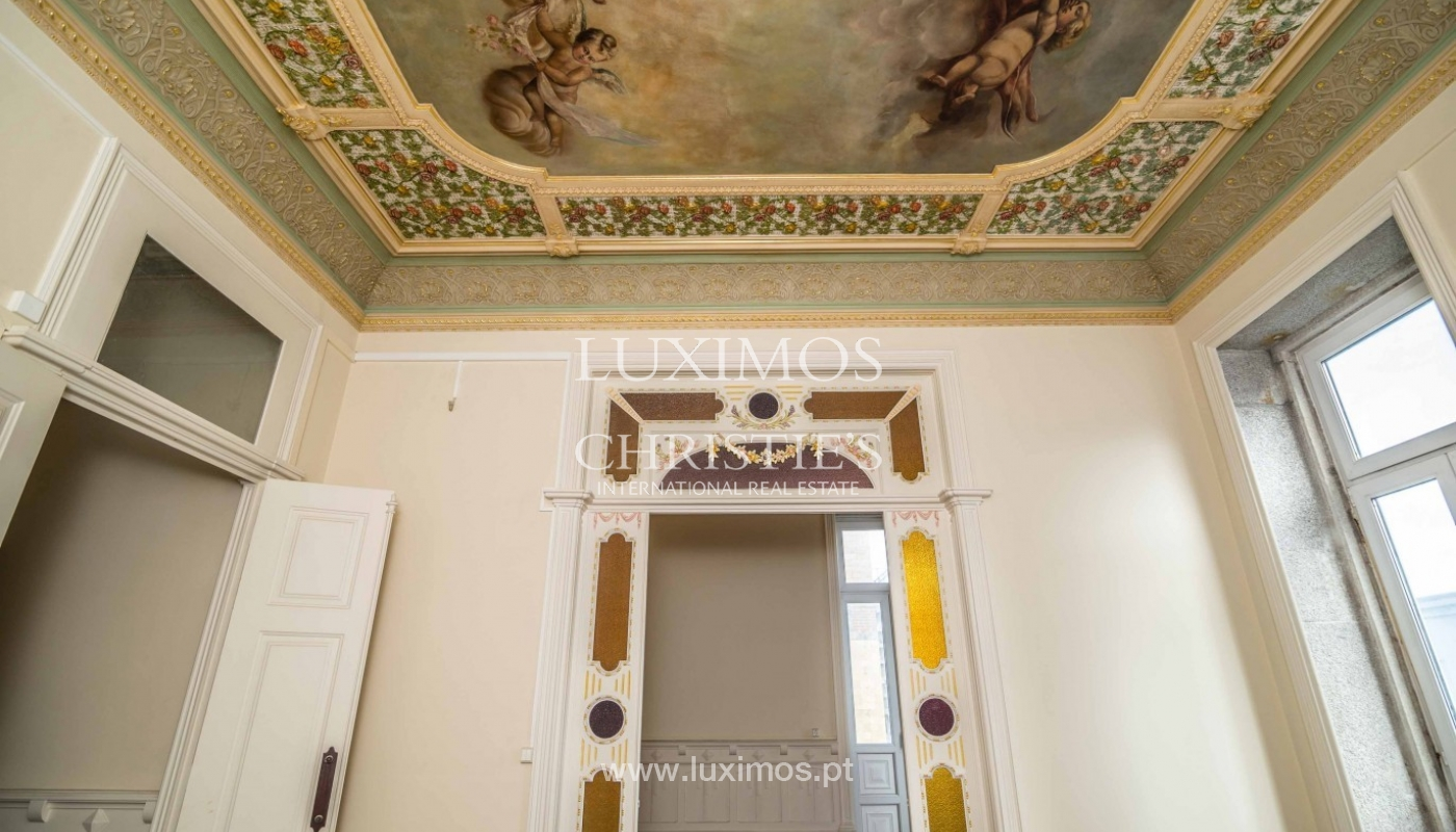 Sale of noble house with refinement details, Póvoa de Varzim, Portugal_95703