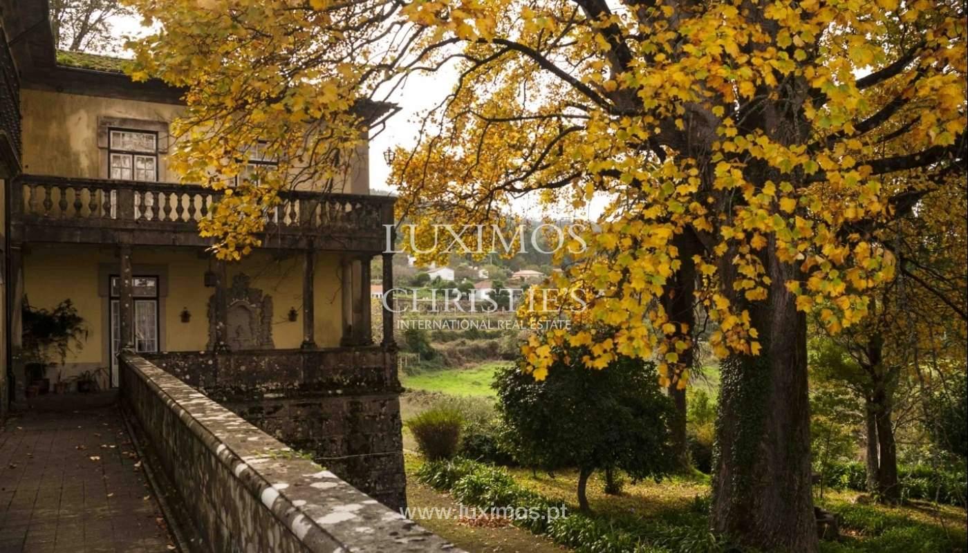 Quinta do Séc. XVIII com adega, piscina e árvores de fruto, em Caminha, Norte de Portugal_961