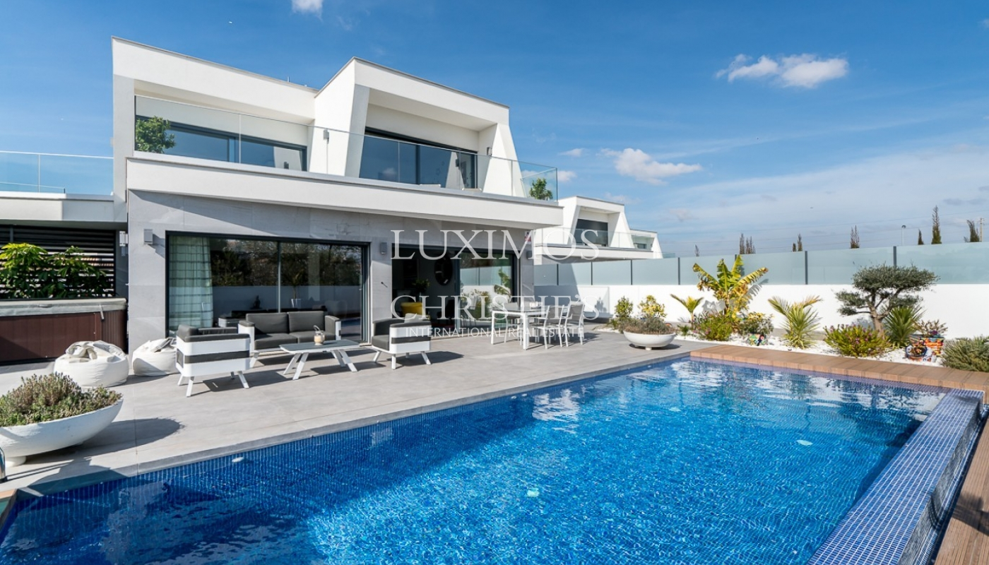 Sale of luxury modern villa with pool in Albufeira, Algarve, Portugal_97022