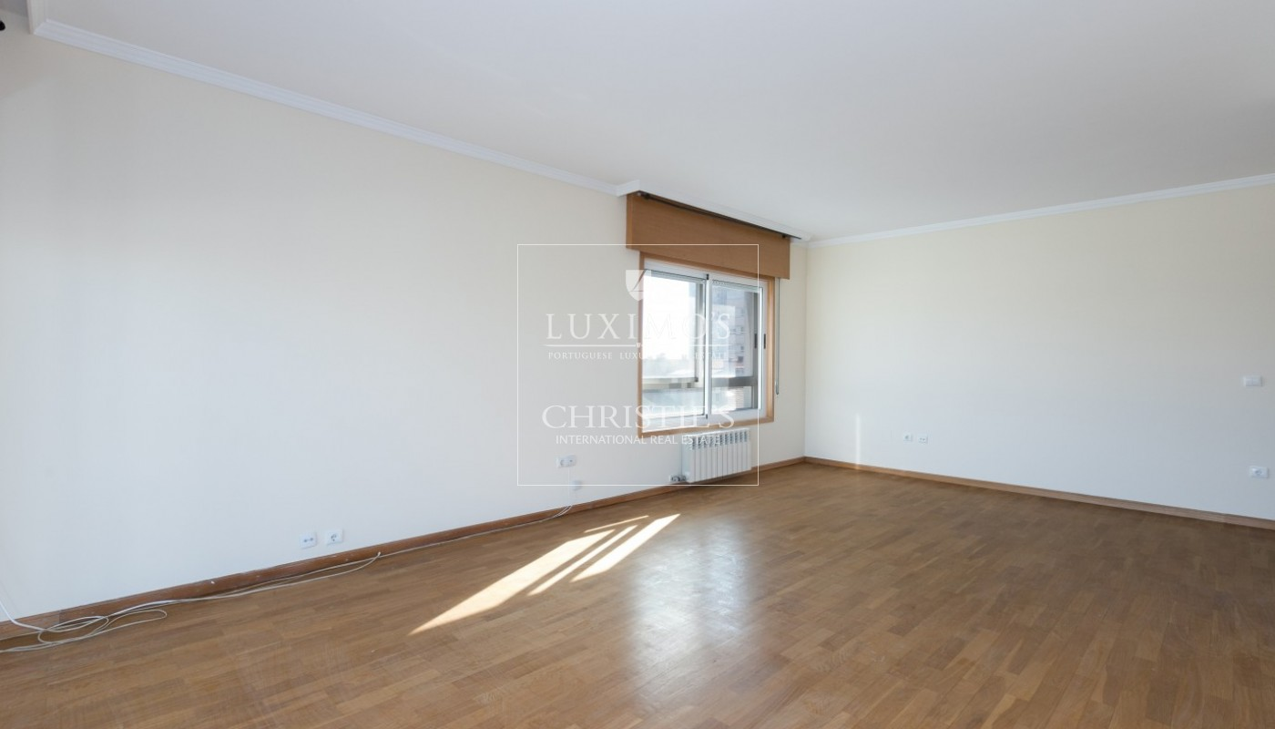 Sale of apartment in Porto city center, Portugal_97476