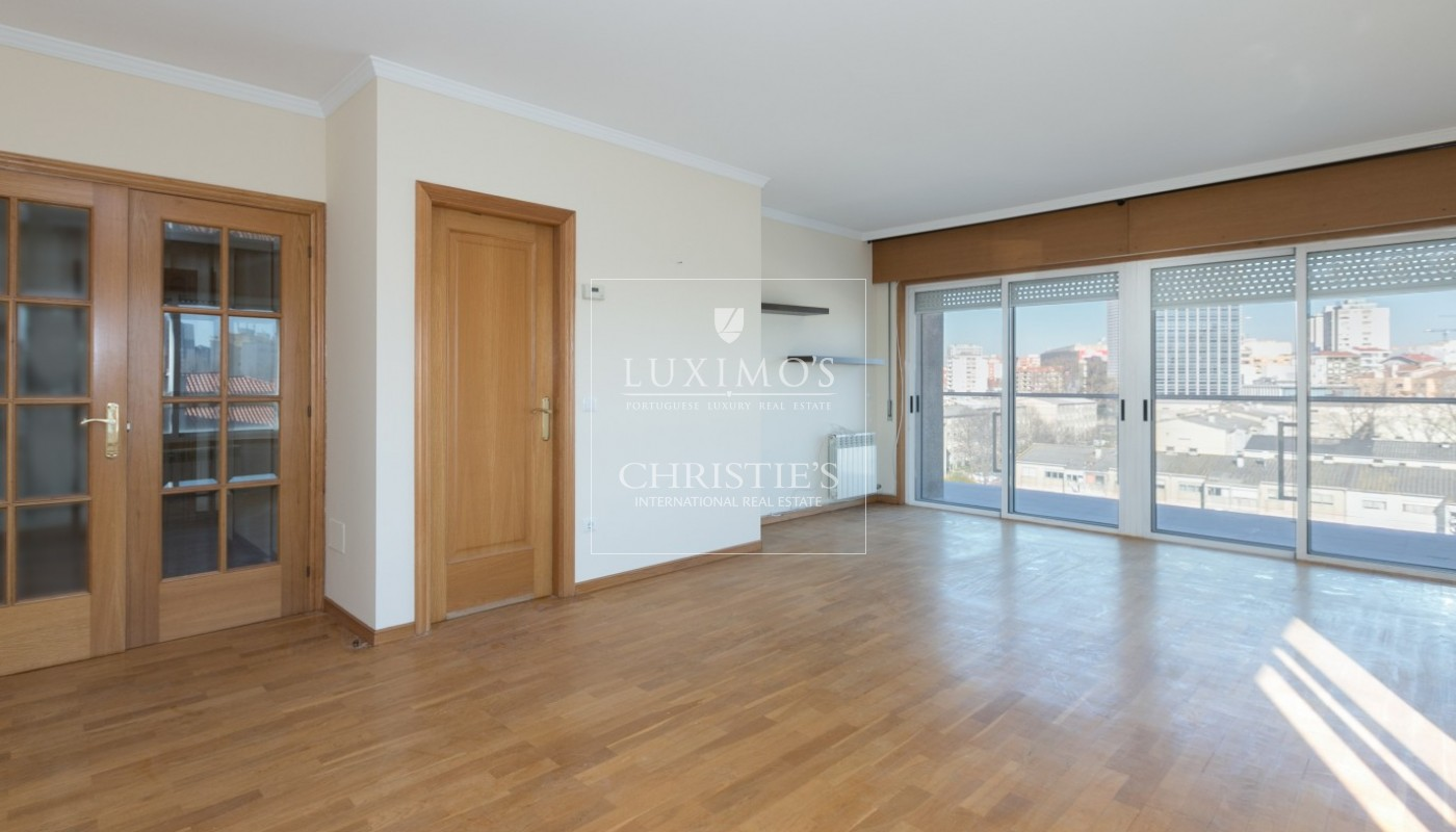 Sale of apartment in Porto city center, Portugal_97478